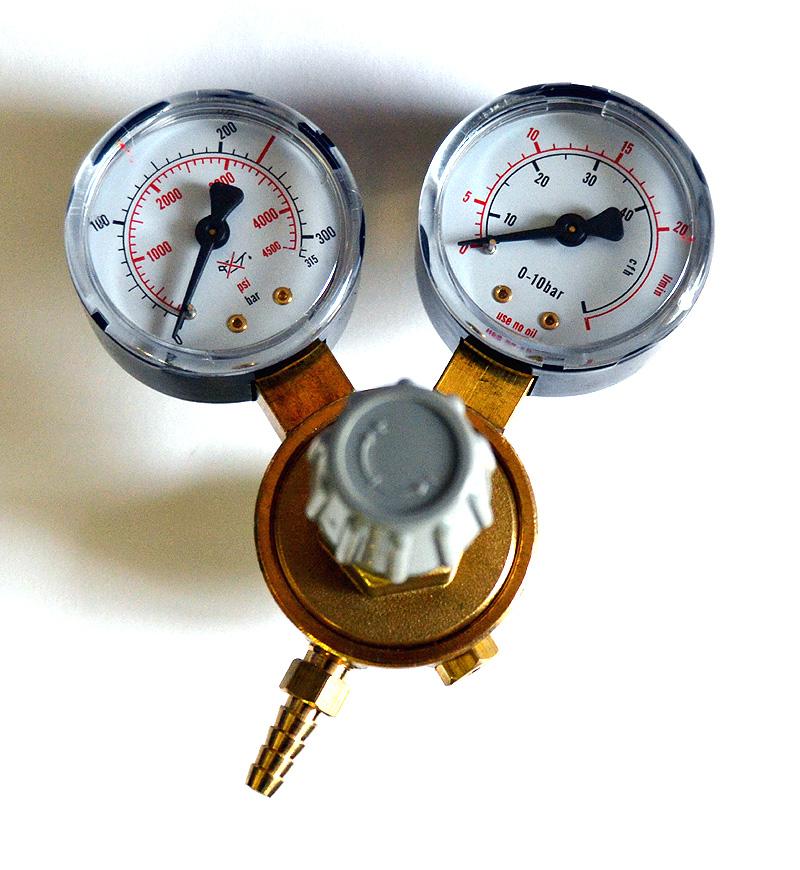 Redukční ventil na CO2 láhev